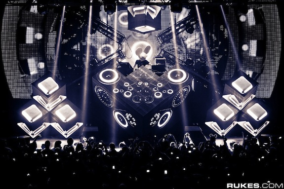 REVIEW: Deadmau5 @ The Palladium – Hollywood