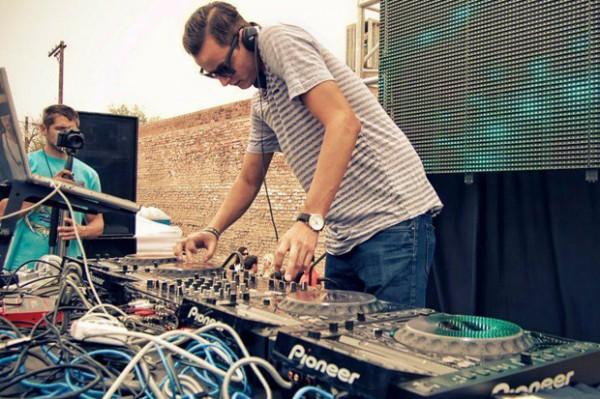 DJ-MAKJ1
