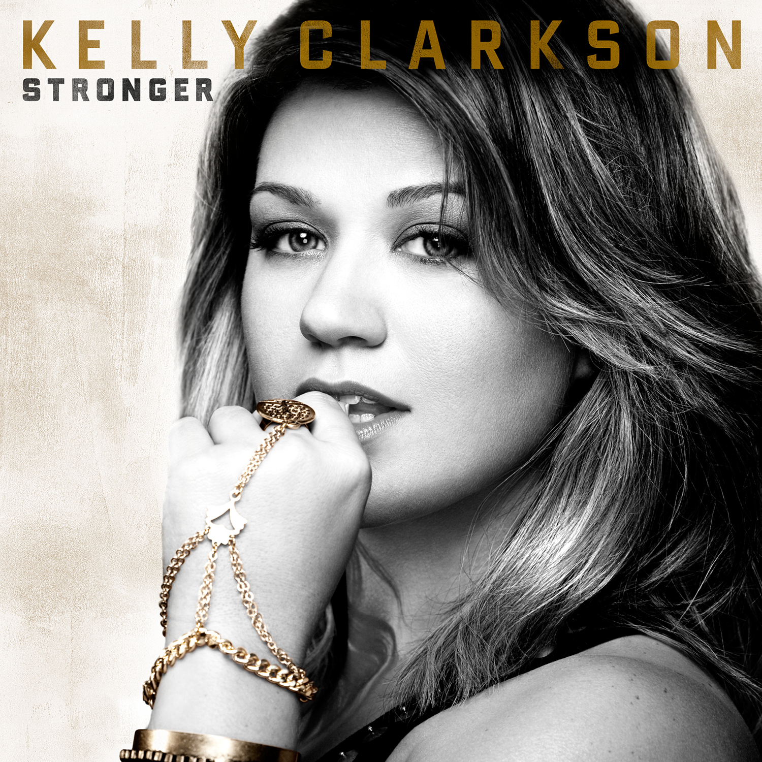 PREVIEW: Kelly Clarkson – What Doesn't Kill You (Promise Land Remix)